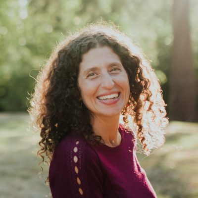 Tami Hafzalla - A YOAS yoga teacher
