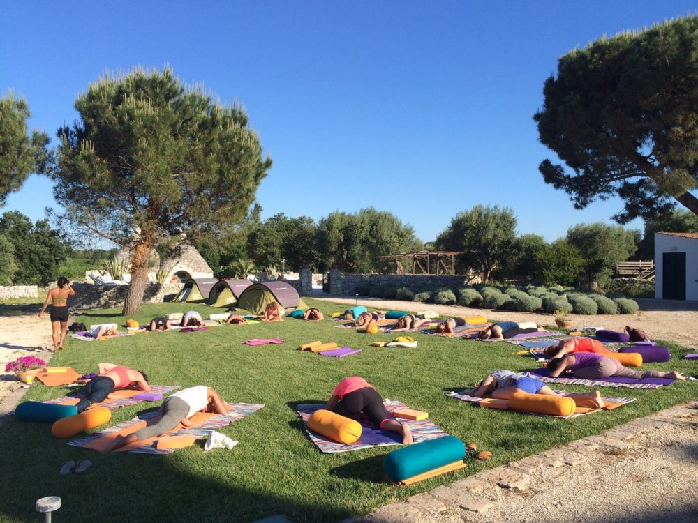 A luxury yoga holiday in puglia yoas yoga on a shoestring for Places to do yoga