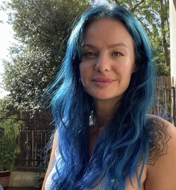 Amelia Hodge - YOAS teacher - Yoga on a Shoestring