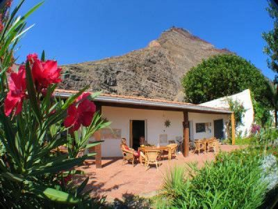 Finca Argayall, La Gomera - yoga holiday - Yoga on a Shoestring