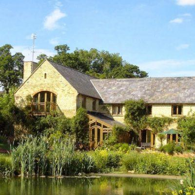 Holycombe yoga retreat, Cotswolds UK - Yoga on a Shoestring
