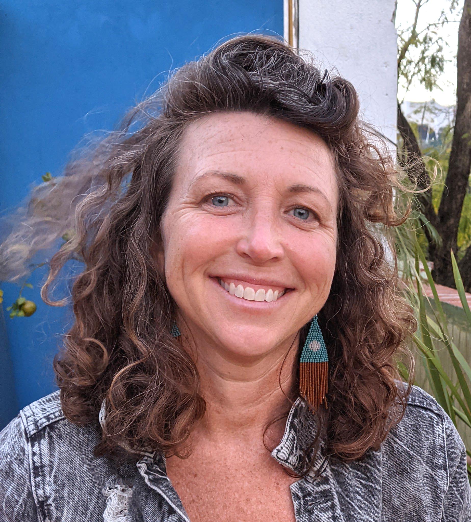 Erin Prichard - yoga teacher - YOAS - Yoga on a Shoestring