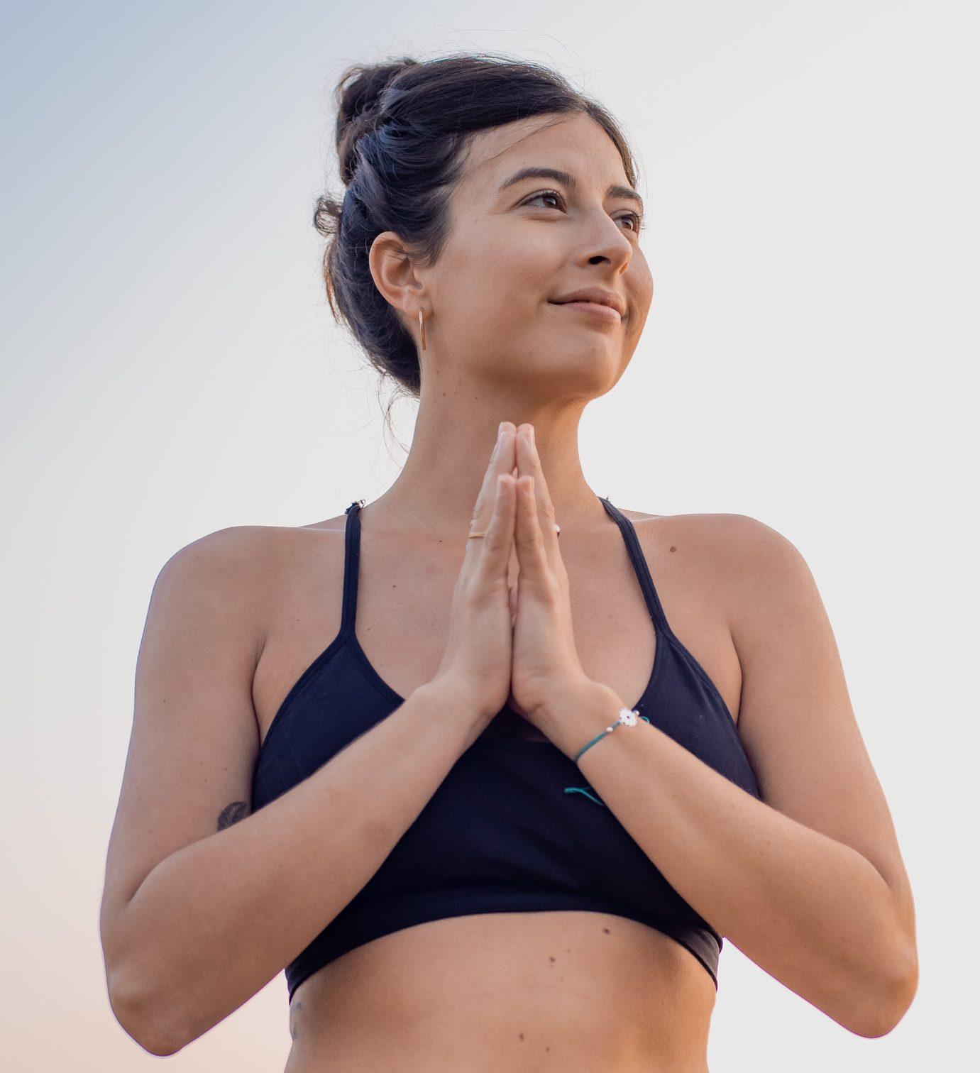 Emma Arscott - yoga teacher - YOAS - Yoga on a Shoestring